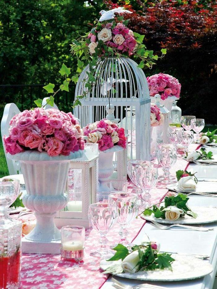 tischdekoration hochzeit sommer rosen vogelkäfige efeu