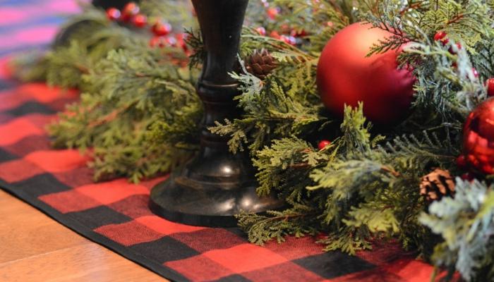 tischläufer weihnachten weihnachtsstern wachholder zweig karro decke
