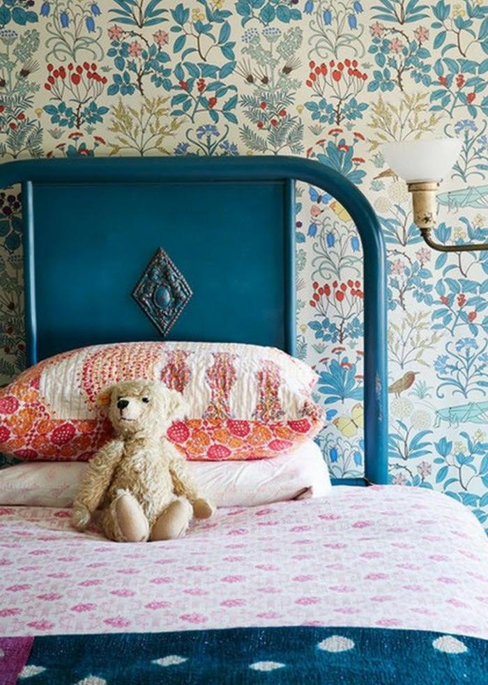 vintage tapete kinderzimmer mädchenzimmer einrichten blumenmuster