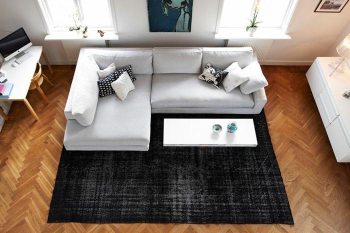 vintage teppiche wohnzimmer einrichten dunkler teppich helle möbel