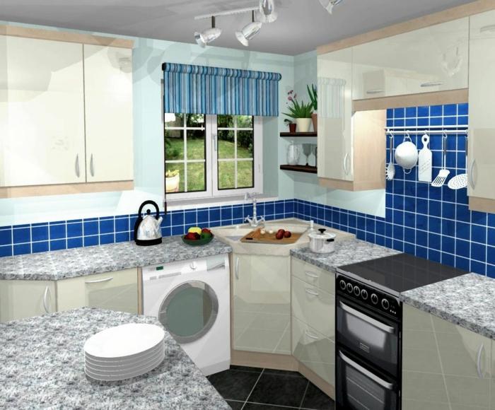 wandgestaltung küche blaue wandfliesen raffrollo kleine küche einrichten