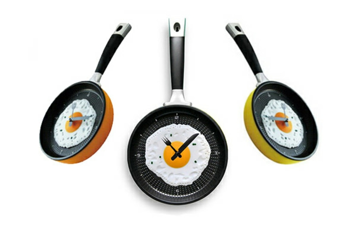 wanduhr design küche omlette pfannen