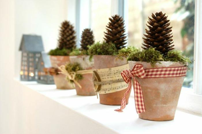 weihnachtliche bastelideen blumentöpfe bänder fensterdeko dekoideen weihnachten