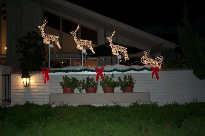 weihnachtsdeko für draussen LED leuchten gartenzaun schnee