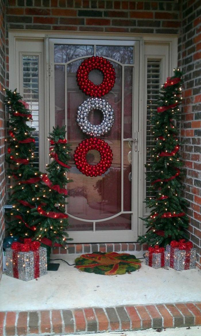 weihnachtsdeko für draussen ausgefallene weihnachtskränze tannenbäume