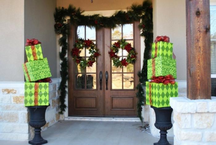 weihnachtsdeko für draussen eingang dekoideen geschenke weihnachtskränze