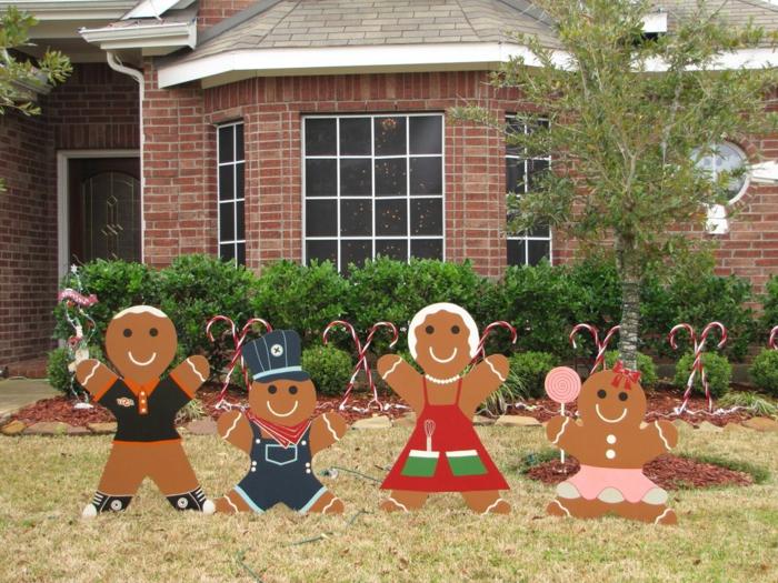 weihnachtsdeko für außen ausgefallene gartenstecker weihnachtsgebäck ziegelfassade