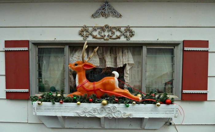 weihnachtsdeko für außen fensterdeko pflanzenbehälter rudolf