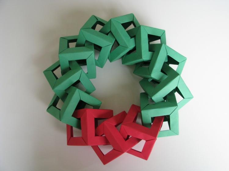 weihnachtskranz selber basteln basteln mit papier türkranz weihnachten