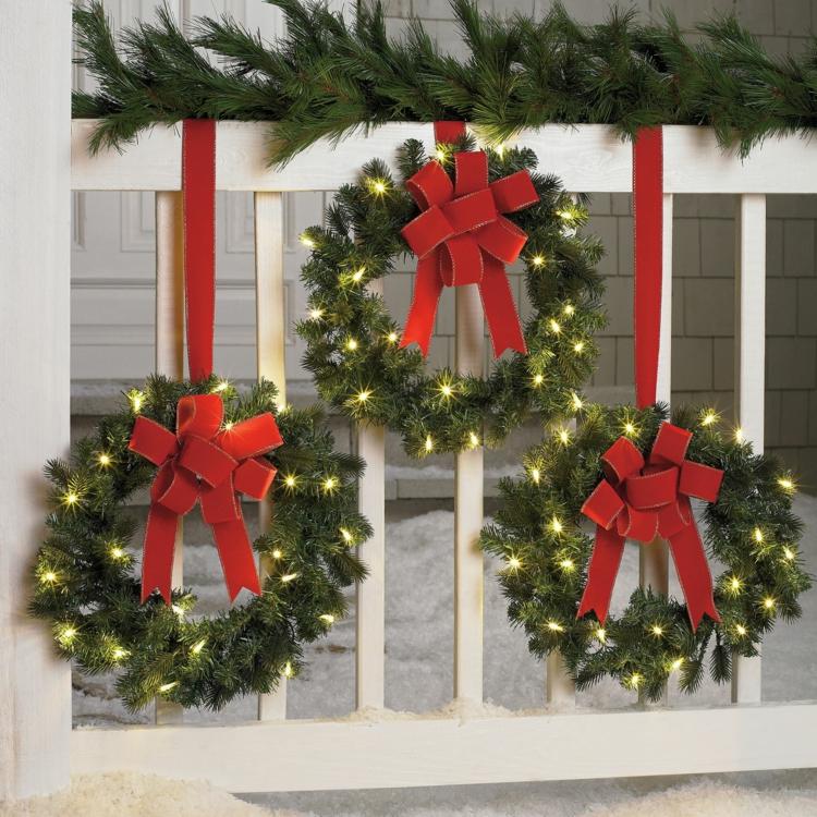 so k nnen sie einen weihnachtskranz selber basteln 50 ideen. Black Bedroom Furniture Sets. Home Design Ideas