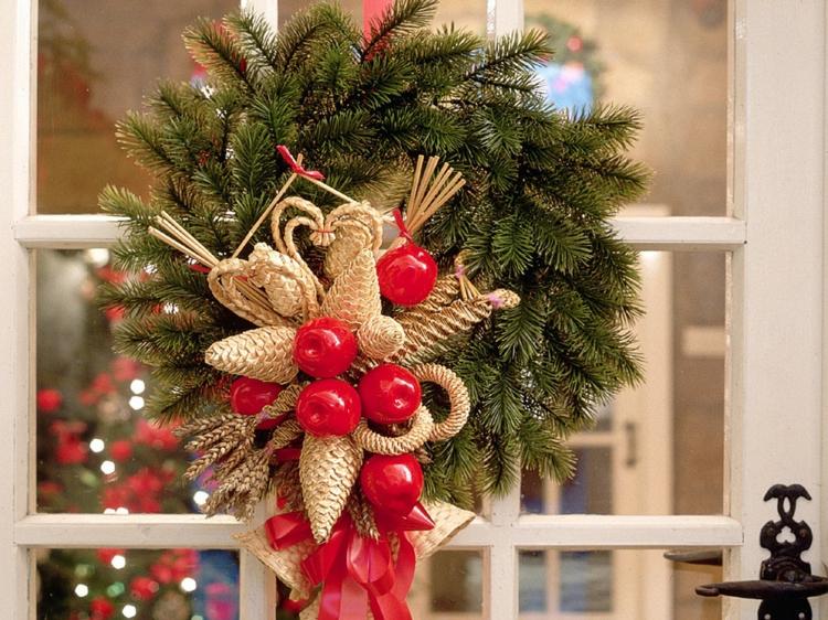 weihnachtskranz selber machen türkranz weihnachten
