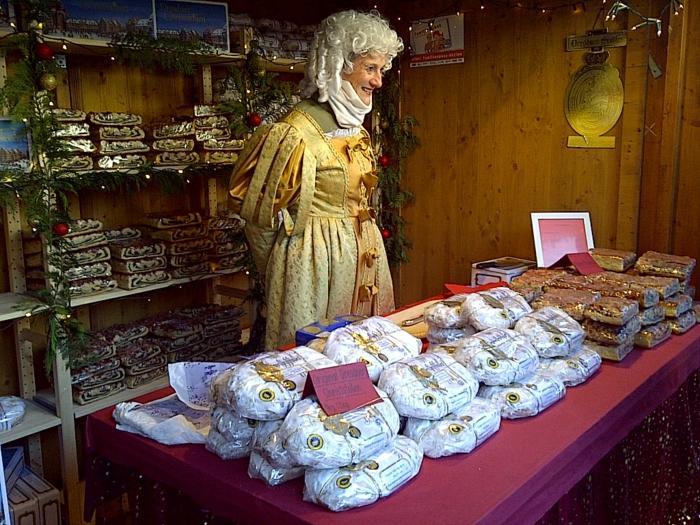 weihnachtsmarkt dresden weihnachtsschmuck schoene weihnachtsmärkte christstollen 17 jahrhundert
