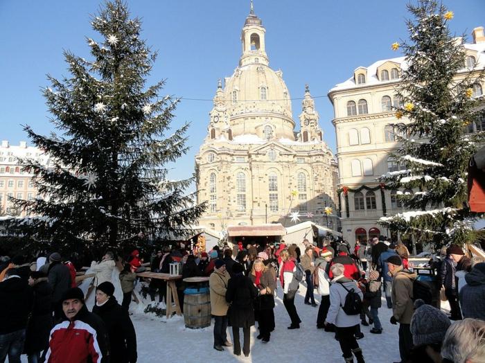 weihnachtsmarkt-dresden-weihnachtsschmuck-schoene-weihnachtsmärkte-morgens