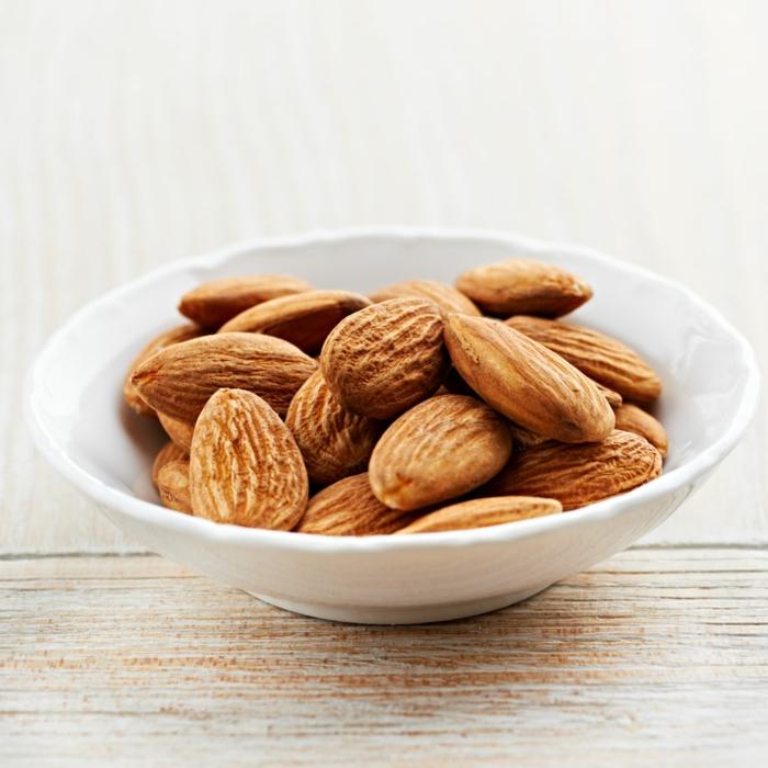 wo sind proteine drin mandeln essen gesundes leben nüsse