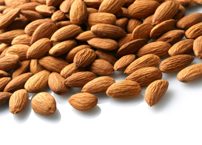 wo sind proteine drin mandeln nüsse essen gesundes essen