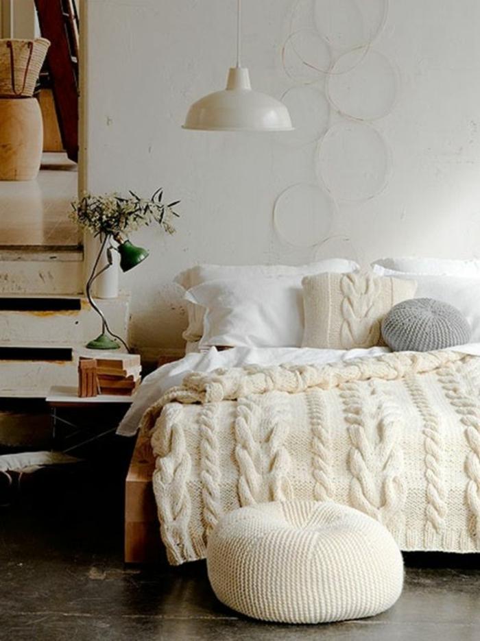zimmer einrichten ideen schlafzimmergestaltung gemütlich decke dekokissen