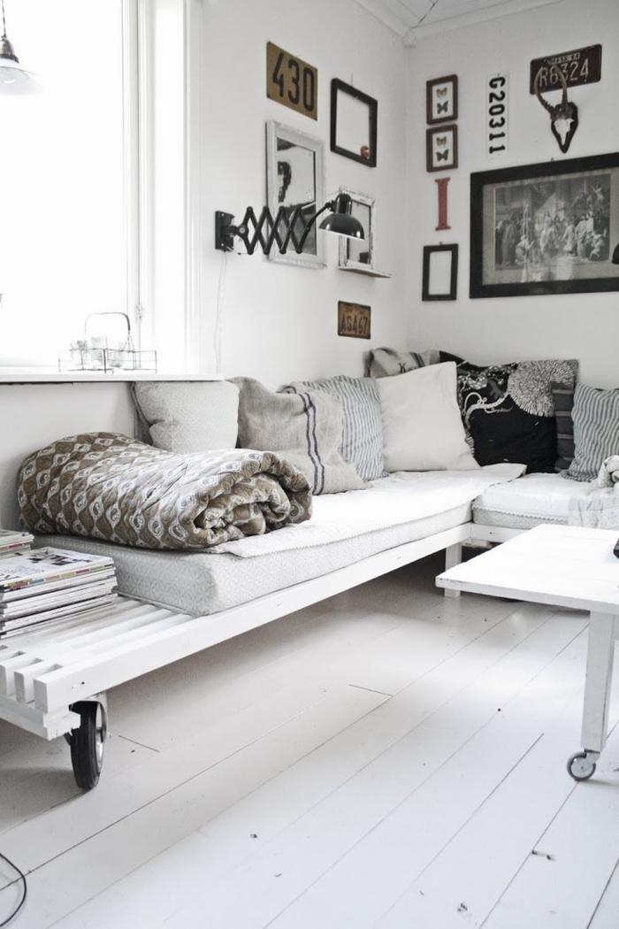 zimmereinrichtung-ideen-wohnzimmer-weiße-möbel-auropaletten-weißer-boden