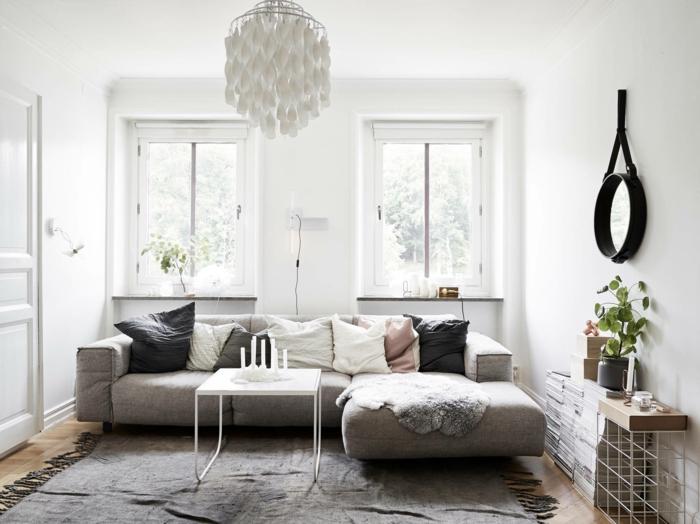 zimmer einrichten ideen wohnzimmer ecksofa teppich wandspiegel weiße wände