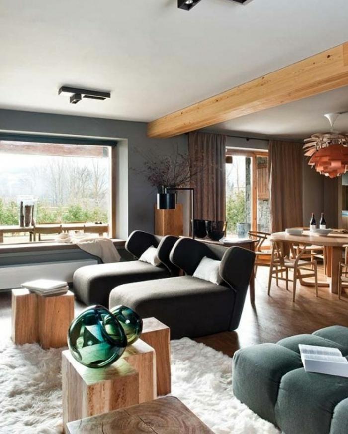 einrichtungsbeispiele wohnzimmer offener küche: wohnzimmer weißer teppich hölzerne beistelltische offener wohnplan