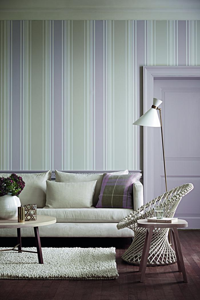 zimmereinrichtung wohnzimmergestaltung ideen winterlich wandtapete streifenmuster gemütlich
