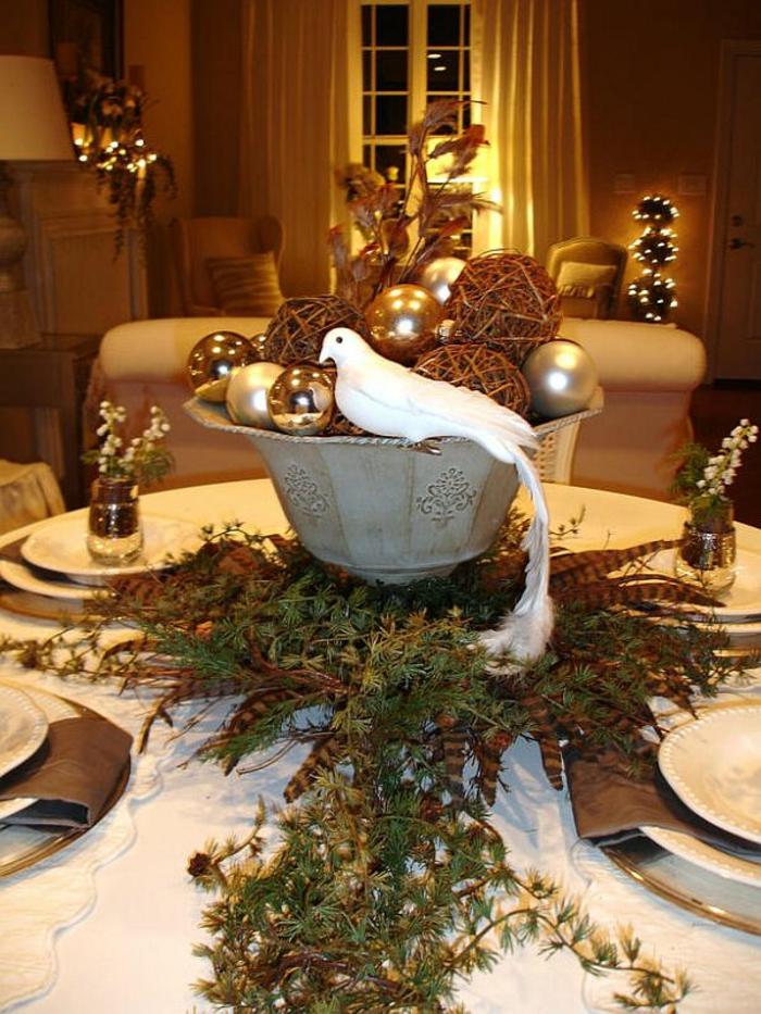 Adventsgestecke Bilder Rustikale Tischdeko Zu Weihnachten Adventsgesteck Selber  Machen U2013 40 Tolle Bastelideen Zu Weihnachten ...