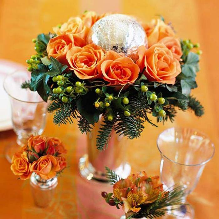 Adventsgestecke Bilder weihnachtiche Tischdekoration basteln
