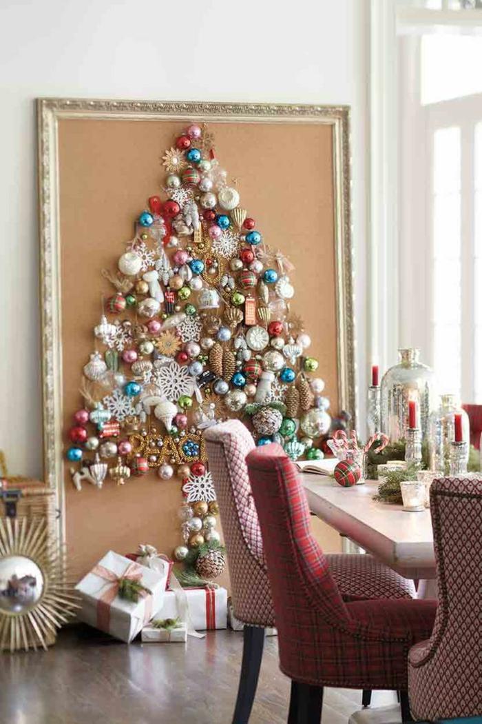 Bastelideen für Weihnachten Weihnachtsbaum aus Weihnachtskugeln basteln
