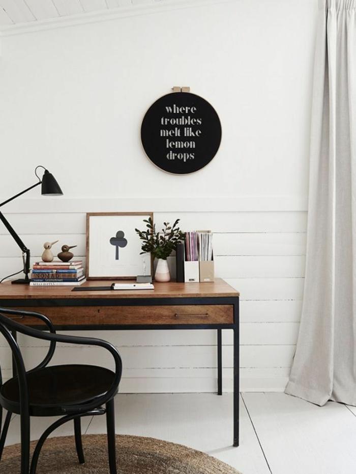 Home Office einrichten schwarz weiß Farbpalette