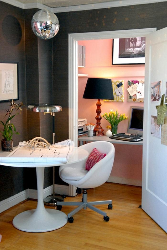 Homeoffice Möbel Rundtisch kleines Büro einrichten