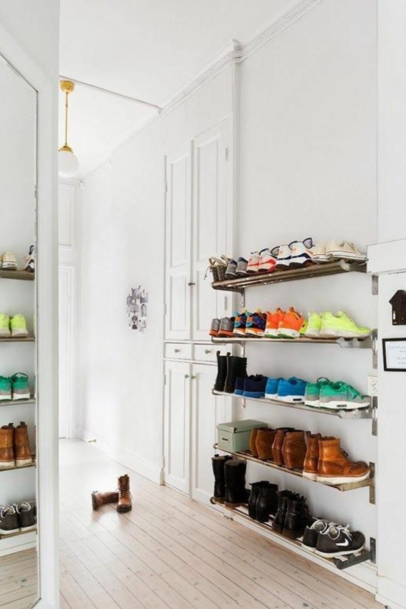 Ideen für kreative Wandgestaltung Flur Wandregale Schuhe