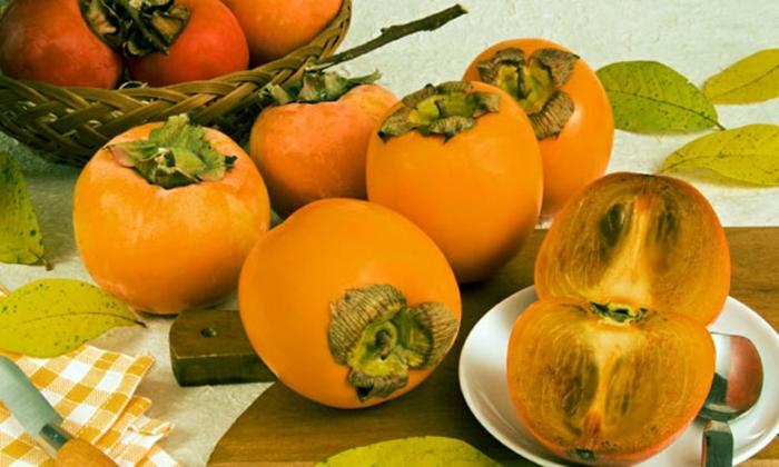 Kaki Frucht kaki essen sharonfrucht  stückchen khaki vitamine rezepte stilleben