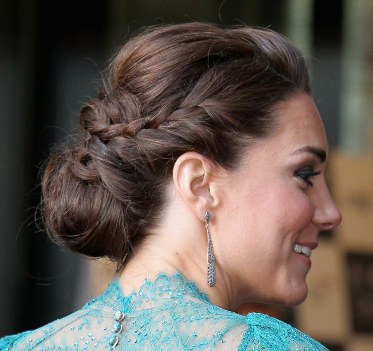 Kate Middleton Zopffrisur aktuelle Damenfrisuren Ideen