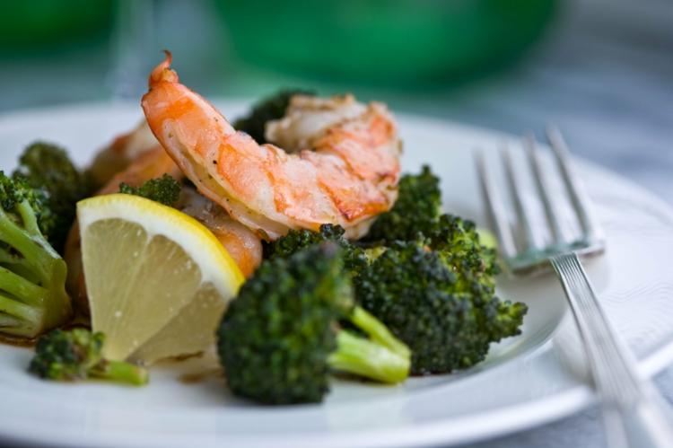 Meeresfrüchte Rezepte Garnelen mit Brokkoli gesunde Ernährung Tipps
