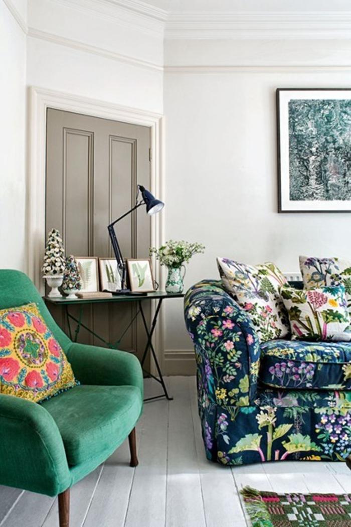 Raumgestaltung Ideen Retro Wohnzimmer Möbel Blumenmuster