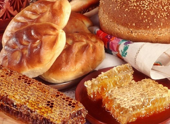 Russische Weihnachten Weihnachten in Russland gemüse honig brot
