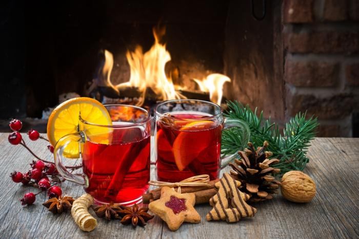 Russische Weihnachten Weihnachten in Russland weihnachtsbaum festltafel rote gewürze
