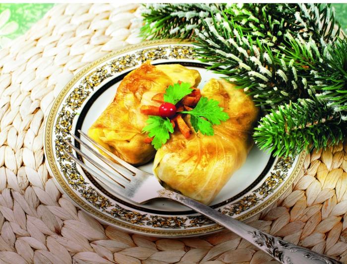 Russische Weihnachten Weihnachten in Russland weihnachtsbaum gestrickter weihnachtsmesse