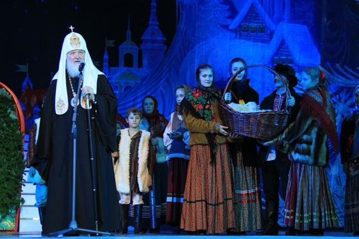 Russische Weihnachten Weihnachten in  Russland weihnachtsspeisen weihnachtsbaum vorführung