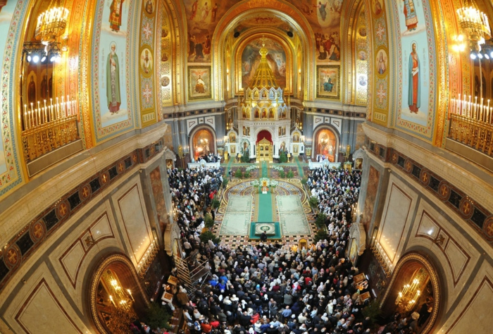frohe weihnachten russisch Weihnachten in Russland zaubersprüche gesang kirche