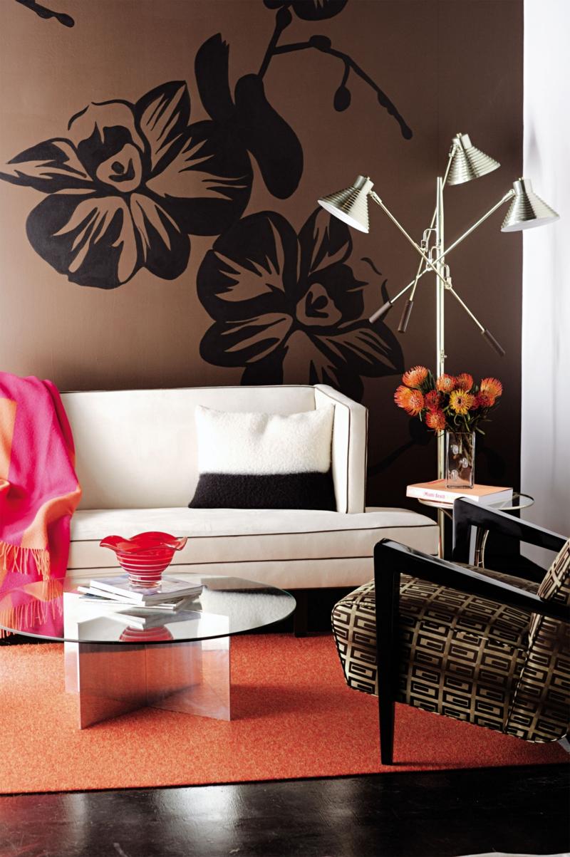 Wandgestaltung Ideen braune Wandfarbe Wandsticker Blumen