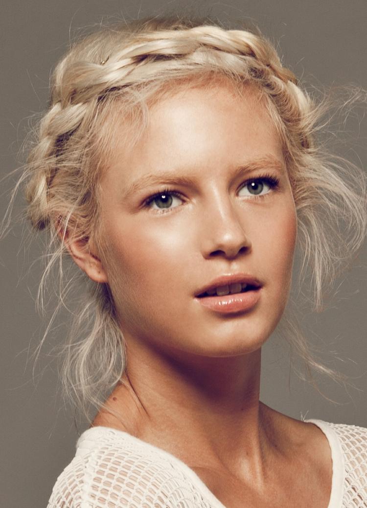 aktuelle Damenfrisuren 2016 schöne Zopffrisuren blonde Haare