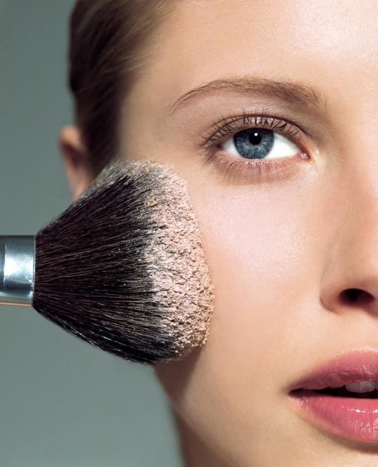 aktuelle Damenfrisuren 2016 und Schminktipps natürliche Make up