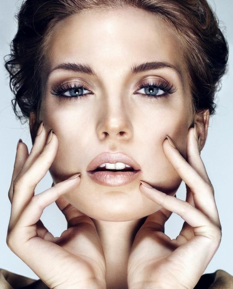 aktuelle Damenfrisuren Schminktipps natürliches Make up