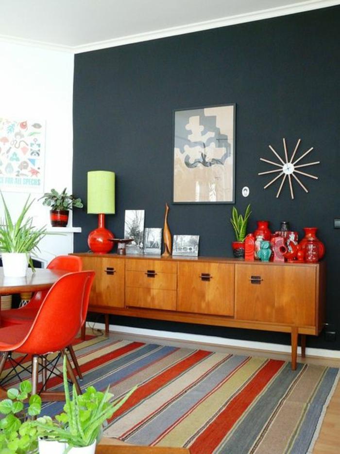 Anrichte Dekorieren Holz Retro Kommode Tischleuchte Rote Keramik Sideboard Wohnzimmer Esszimmer
