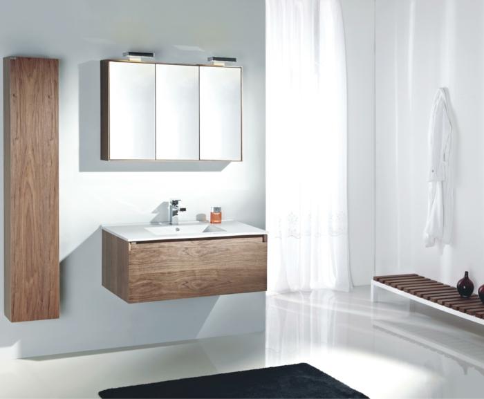 badeinrichtung stauraum badmöbel spiegel grauer teppich