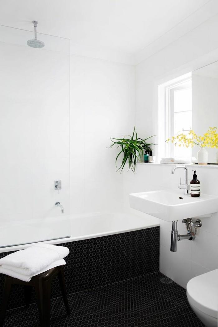 badezimmer gestalten pflanzen weißes badezimmer dunkle mosaikfliesen