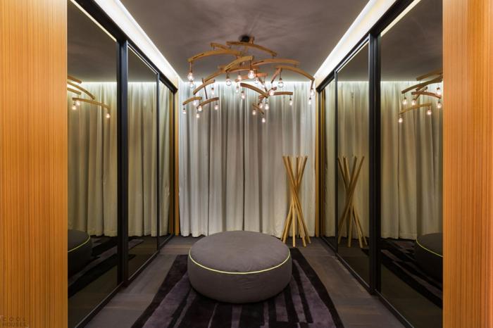 beleuchtungsideen ankleidezimmer offener kleiderschrank