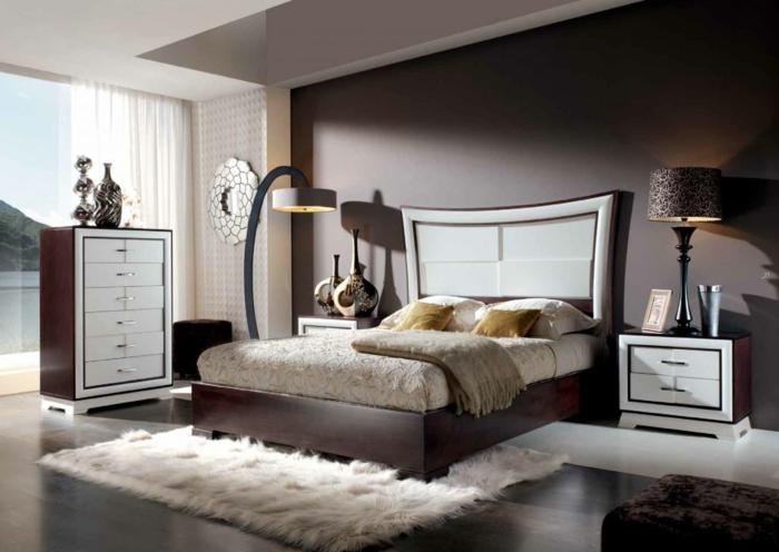 farbgestaltung schlafzimmer wanddekoration wandfarbe schoko braun pastellweiß fellteppich lampion