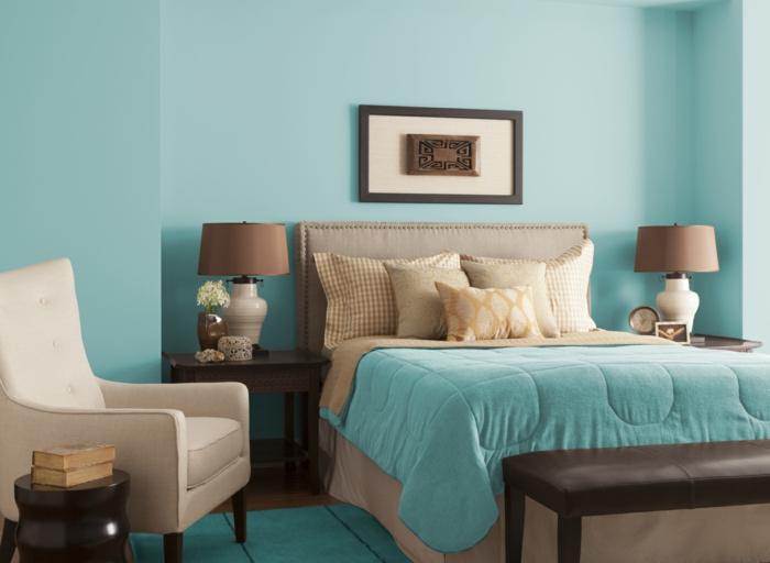 farbgestaltung schlafzimmer wandfarbe azurblau wanddekoration anstrich
