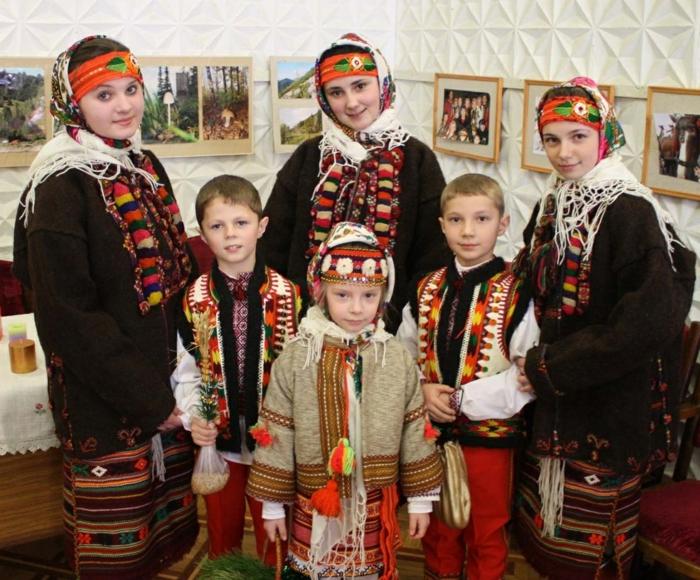 frohe weihnachten russisch Weihnachten in Russland zaubersprüche gesang